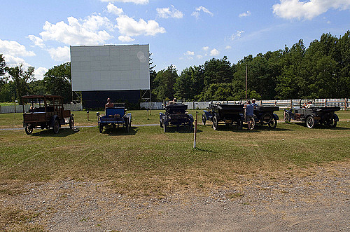 drive in movie theater cars