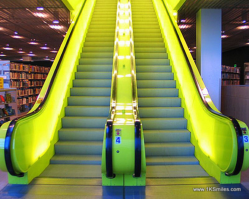 escalator yellow submarine