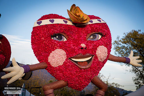 Rose Parade float heart rose bowl